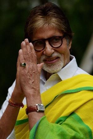 Amitabh Bachchan pays off the debt of 2100 Bihar farmers