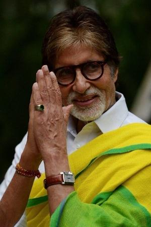 Big B Pays Off Farmers Loans Randeep Hooda Joins Relief Efforts In Maharashtra More From Ent