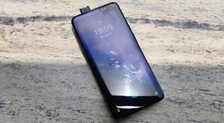 OnePlus 7 Pro review:OnePlus 7 Pro's 90Hz Display Is Smooth