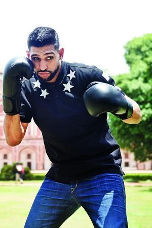 pakistani boxer amir khan