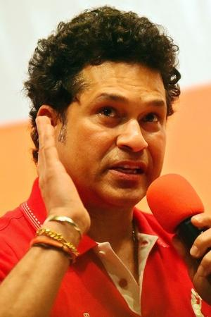 Sachin Tendulkar Sues Australian Cricket Bat Maker