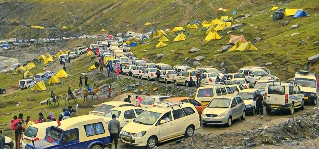 Tourists Thronging To Shimla, Manali Are Returning Due To Overcrowding At Hill Stations