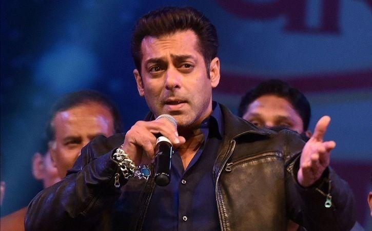 TV journalist has filed a complaint against Salman Khan accusing him & his bodyguards of assaulting.