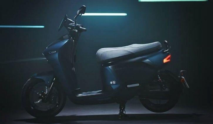 Yamaha Electric Scooter, Yamaha Gogoro, Yamaha EC-05, Electric Scooters, Swappable Battery EV, Yamah
