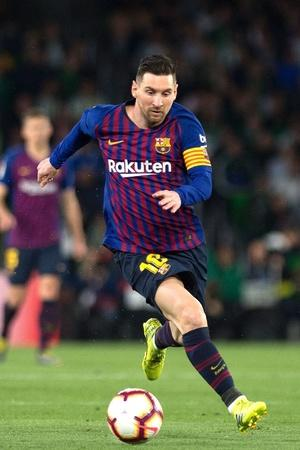 lionel messi hit hat trick