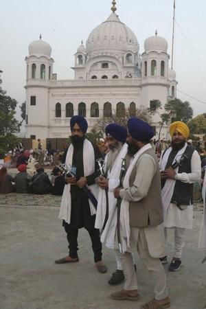 Pakistan India Kartarpur corridor Guru Nanak Dev pilgrims officials meeting