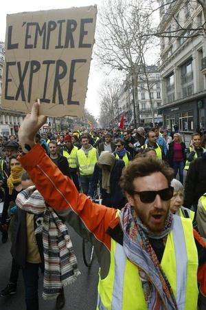 yellowvest protests France demonstration Paris 19th weekend