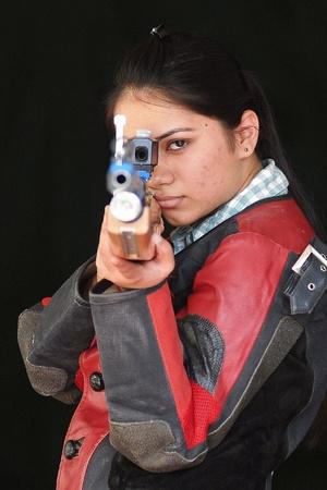 apurvi chandela win gold