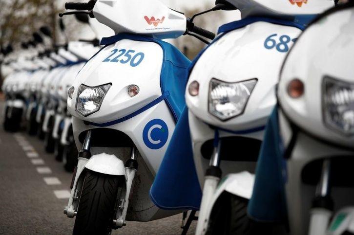Delhi Metro News, DMRC News, Delhi Metro Electric Scooters, Electric Scooter Stands In Metro, DMRC E