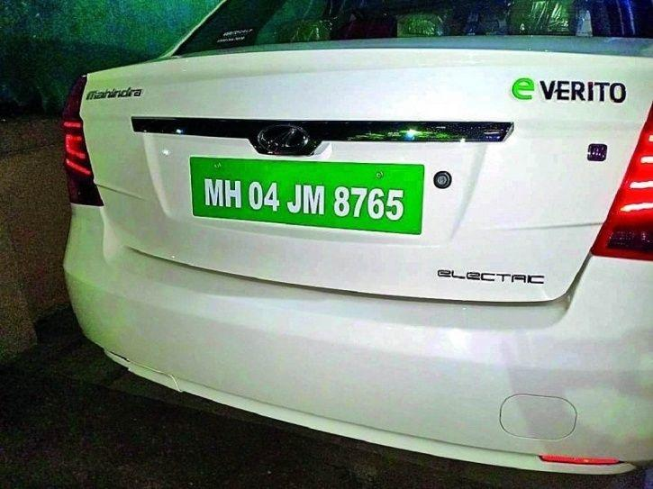 हिरवी नंबर प्लेट, हिरवी नंबर प्लेट काय प्रकार आहे? कोण लावू शकेल हि प्लेट? Green Numberplate in india, India introduse Green Number plate, Green Number plate in marathi