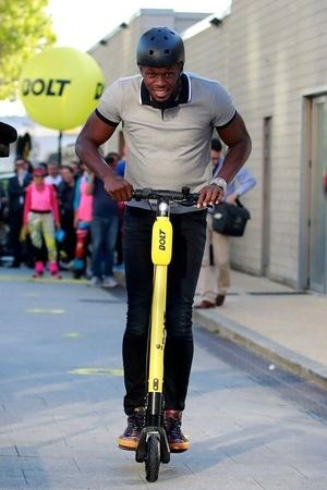 Usain Bolt Bolt Mobility Electric Two Seater Electric Vehicle Bolt Mobility Electric Car Electr