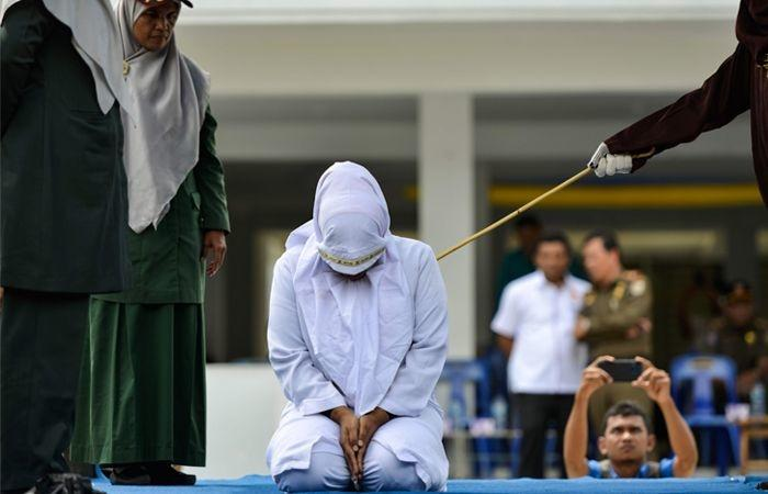 indonesia man caned