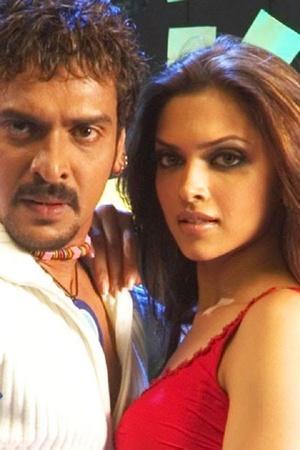 KBC Contestant Fails To Answer Deepika Padukones Debut Film Amitabh Bachchan Tells Its Aishwarya