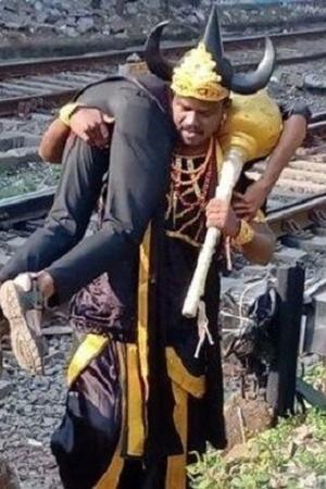 Railway track Railways Western Railways Yamraj commuters Mumbai man dressed as yamraj Andheri