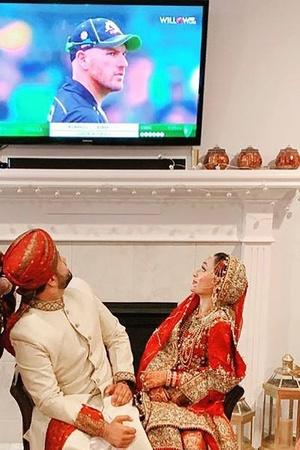US Couple Watches Australia Vs Pakistan T20I On Wedding Day