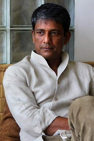 Adil Hussain Joins Star Trek Discovery Season 3 Man Kicked Out Of Joker Screening More From Ent