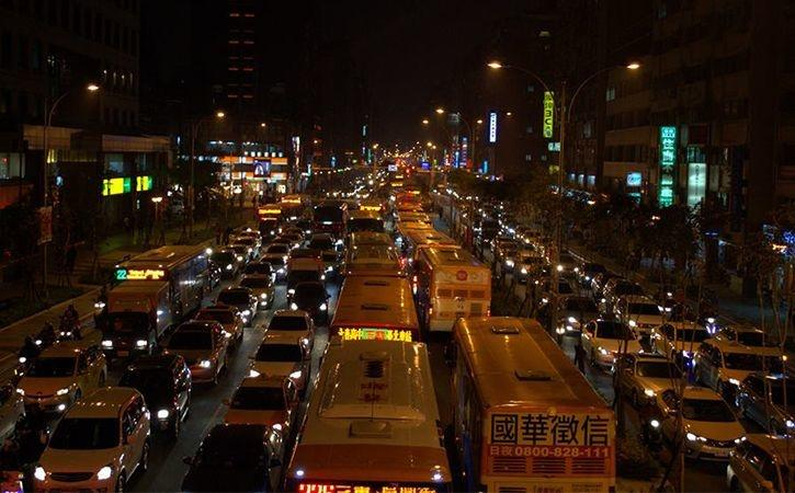 average hours spent on road, traffic jam, biggest traffic jams, biggest traffic jams in the world, b