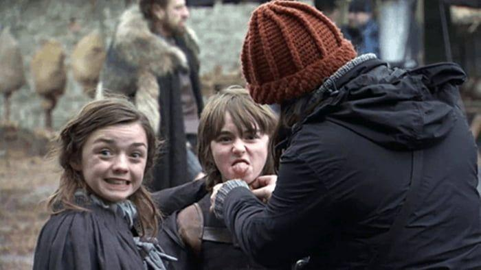 Maise Williams on the sets of Game of thrones season 1.