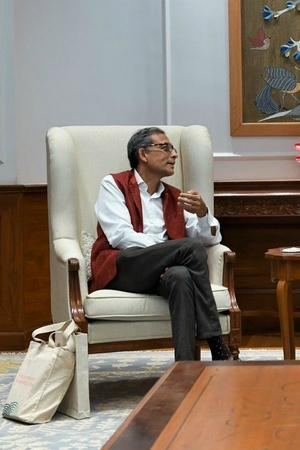 PM Modi Meets Noble Laureate Abhijit Banerjee Says India Is Proud Of His Achievements