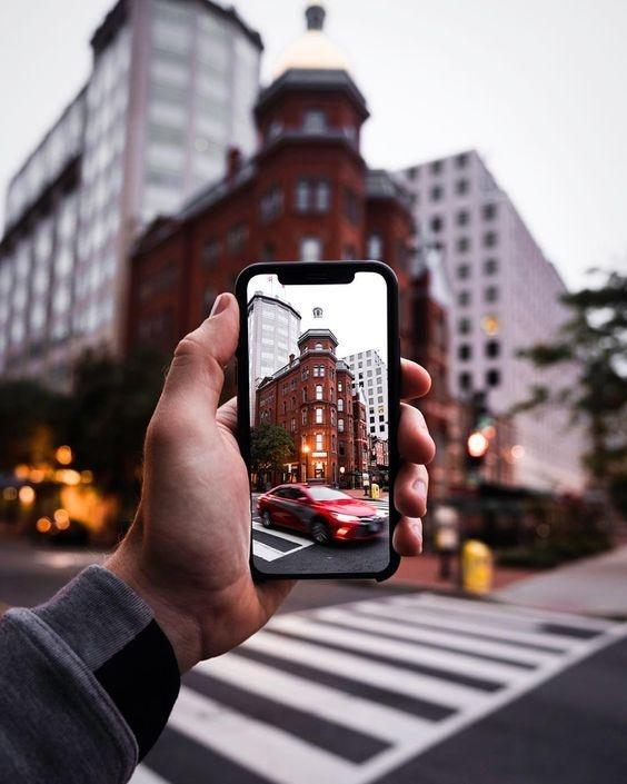 taking photos affects your memory of that moment