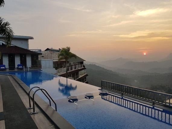 best hotels in Munnar