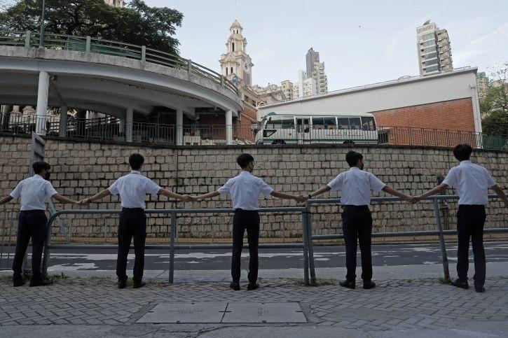 Hundreds Of Students In Hong Kong Formed Human Chains13