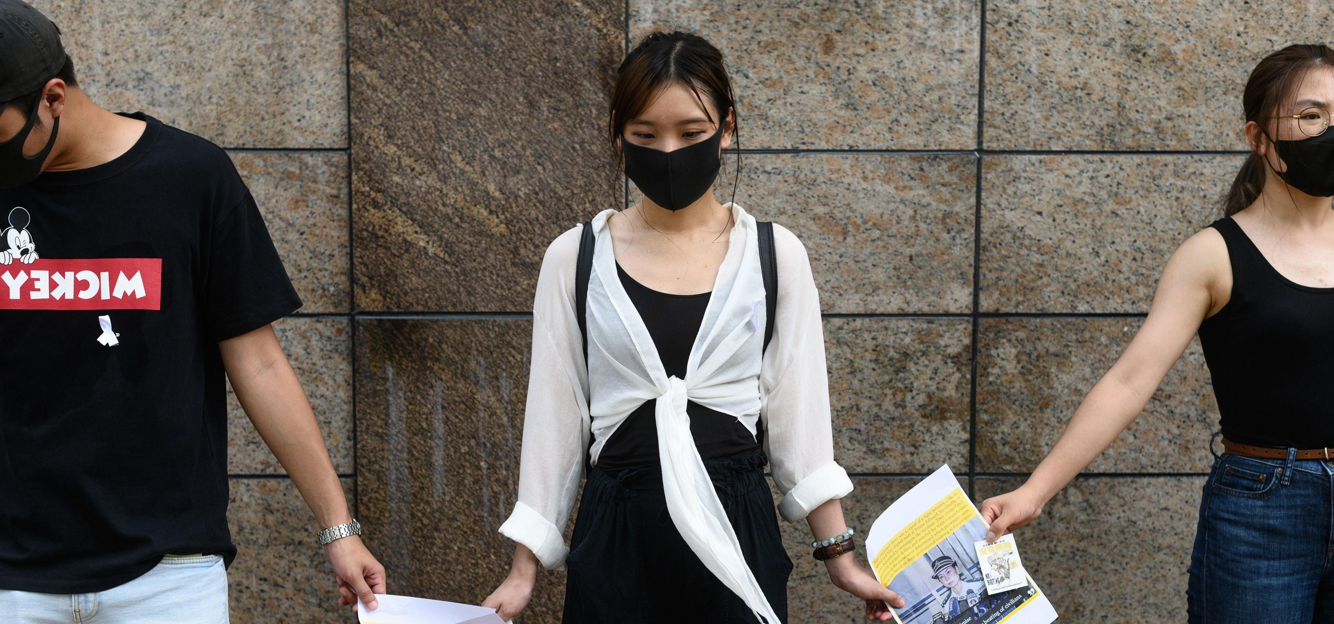 Hundreds Of Students In Hong Kong Formed Human Chains