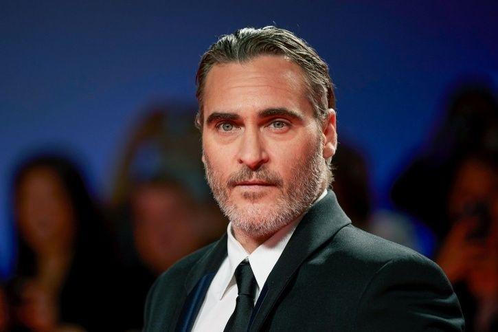 In A Heartwarming Speech, Joaquin Phoenix Credits His Late Brother For His Acting Career & Gets Emot