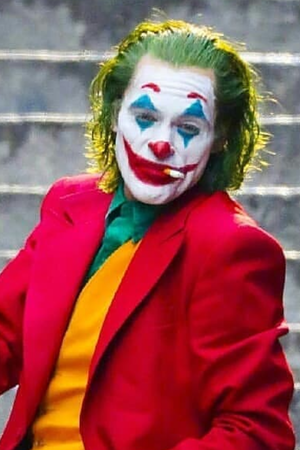 Joker review First Joker Reviews Are In Critics Say Its Dark Edgy Sick An Oscar Contender