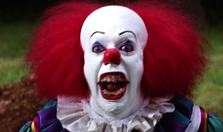 Man Dressed Up As Pennywise Is Terrorising Kids In A UK Town & Now Police Are On Hunt For Him!