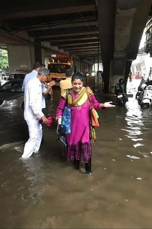 Mumbai rains brought along traffic and waterlogging and everyone including Bollywood celebrities fac