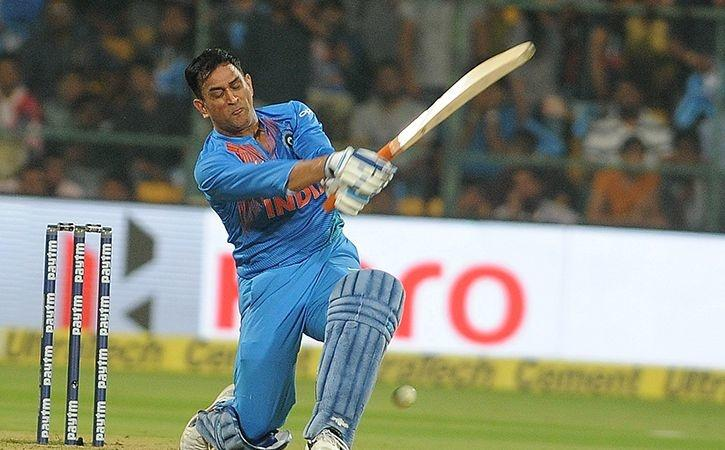 Sunil Gavaskar Believes That MS Dhoni Should Call Time On His Career