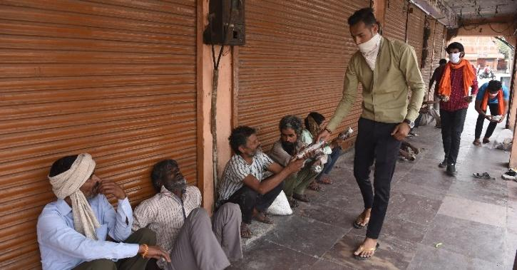 DC Warns Action If Selfies Or Pictures Taken While Distributing Food In Ajmer