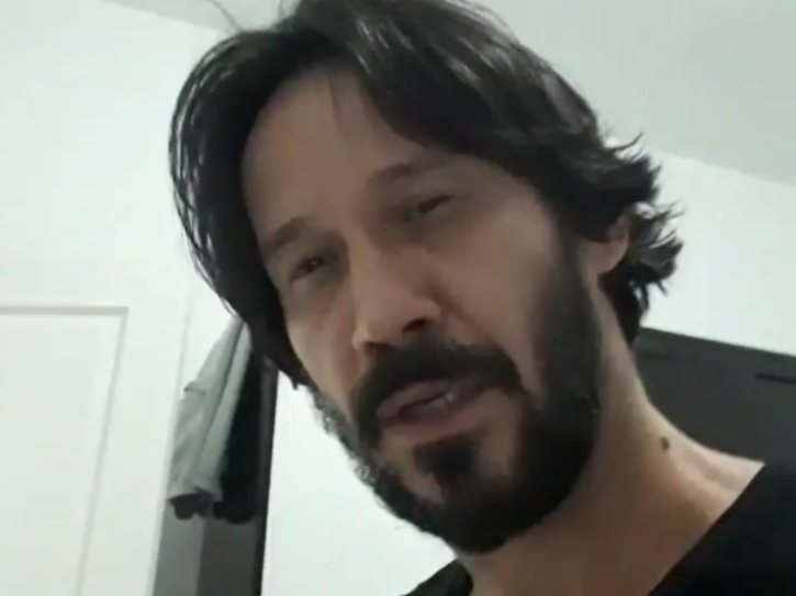 Keanu Reeves doppelgange and look alike Marcos Jeeves.