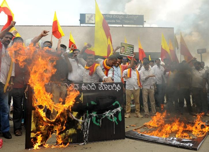 Shashi Tharoor, Shashi Tharoor Hindi, Anti Hindi Protest, Hindi Imposition, Official Language, Hindi Debate