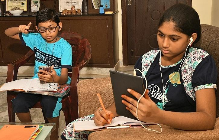 Online Classes, Online Classes India, Online Classes Problems, Online Classes Kerala, Online Classes Internet, Online Classes Smartphone