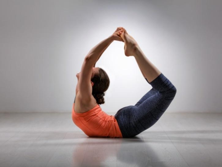 Dhanurasana yoga pose