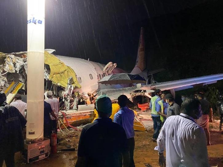 Kerala Chief Minister, Pinarayi Vijayan, Self Isolation, COVID Positive, Kozhikode Air Crash Rescue