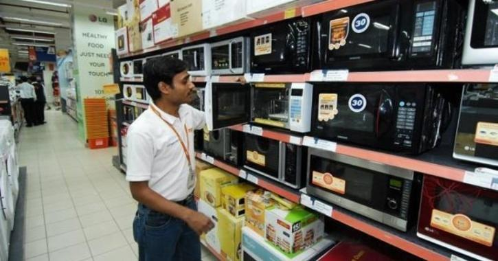 Kerala Shopkeeper Offers Cash Back To Customers Who Catch COVID-19