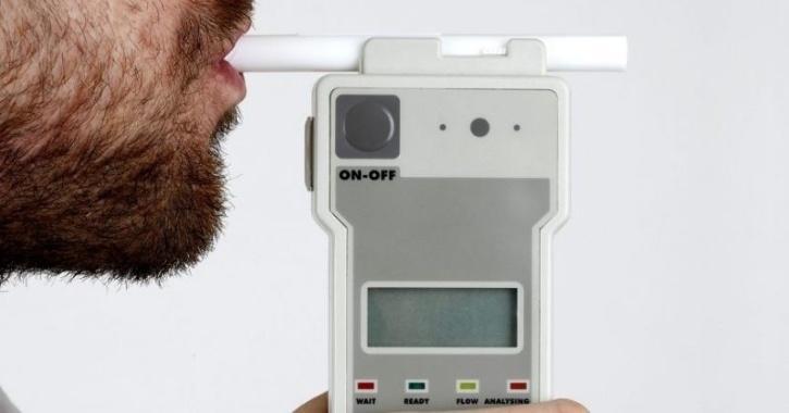 COVID-19 breathalyzer test