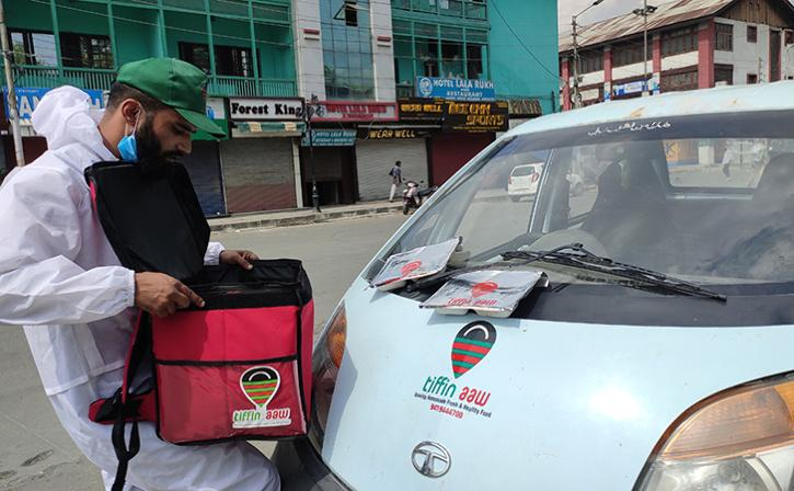 Meet 'Kashmir's Swiggy Boy' Who Serves Fresh Home-Cooked Meal At Doorstep