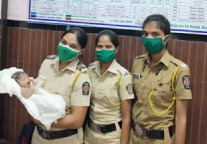 Woman Delivers Baby At Panvel Station
