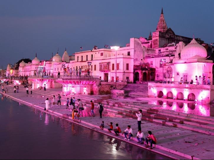 Ayodhya decorated for bhoomi Pujan