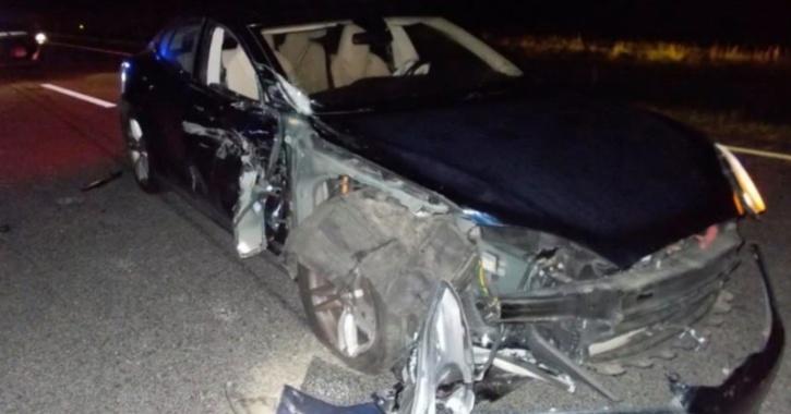 Tesla Crash, Police Car Crash, Tesla Autopilot, Autopilot Crash, Autopilot Accident, Tesla News, Self Driving Technology, Autonomous System, Auto News