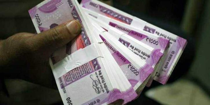 Rickshaw driver returns cash to passengers