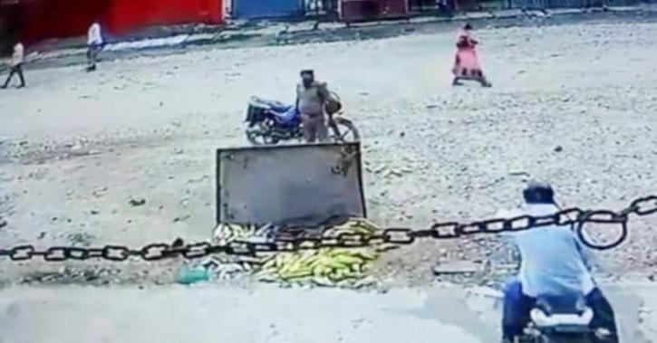 Varanasi cop overturns cart