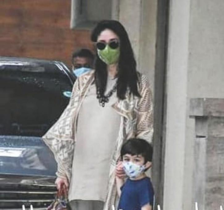 Kareena Kapoor Khan with Taimur Ali Khan / Viral Bhayani