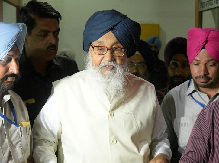 Parkash Singh Badal, Sukhdev Dhindsa Return Padma Awards, Farmers Protest