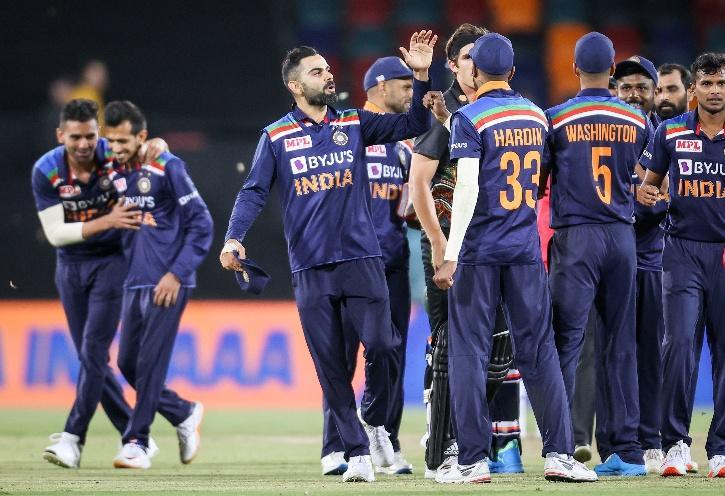 India Beat Australia 1