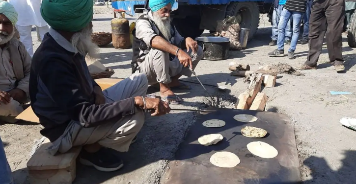 Farmer offered langar at protest site